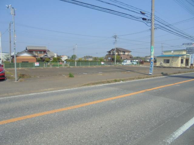 貸地(県道沿い110坪)